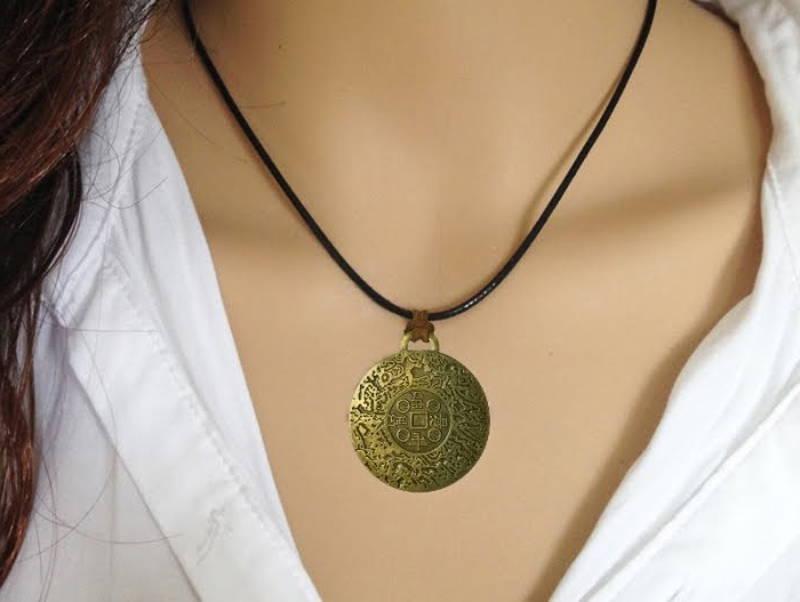 Τι Είναι Το Money Amulet;